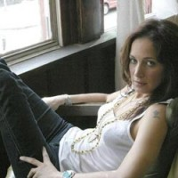 Chantal-Kreviazuk1