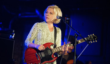 Tanya Donelly photo by Kalen Hughes